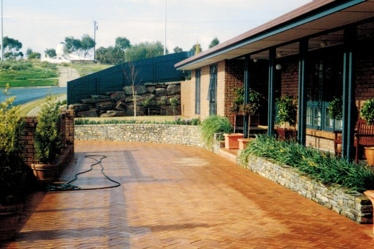 Robert built front driveway paving in Hallet Cove, South Australia.